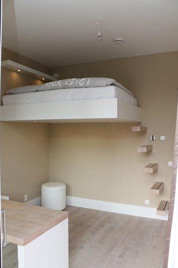 Zwevende Kast Keuken : Slaapkamers met zwevende bedden, bureaus met ladekast en kastwand